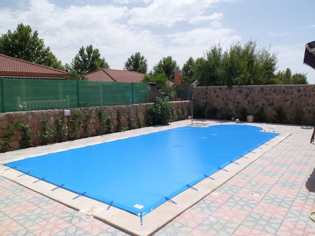 Instalación de lonas y mantas para piscinas